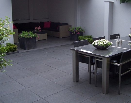 Outdoor Stone Nero - Bovendorp & Sellis Sierbestrating